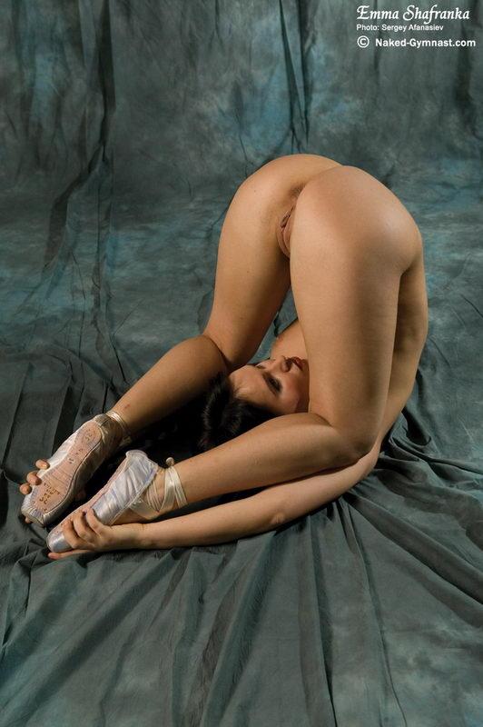 free tour   naked gymnastics click here