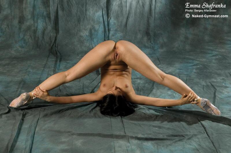 Naked Gymnastics Hd